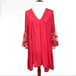 Umgee Boho tunic w/ lace embroidered bell sleeves